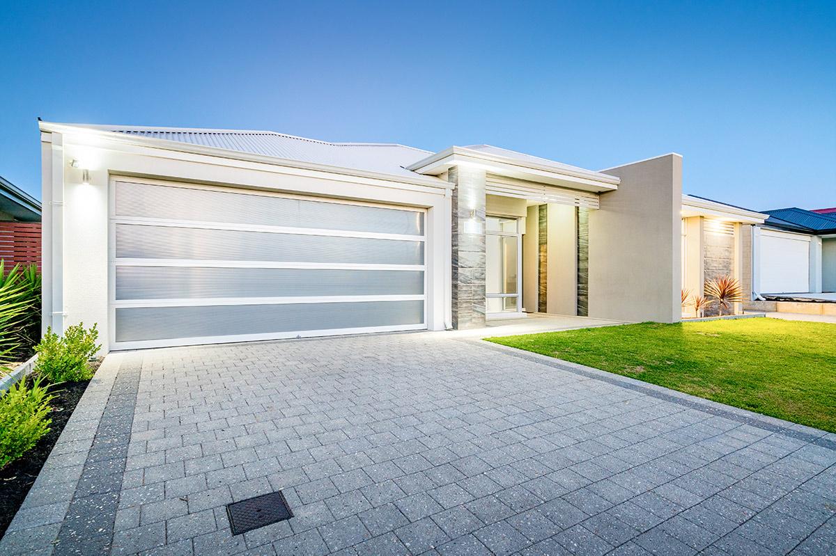 10 Modern Garage Doors to Update Your Home | Overhead Door Company