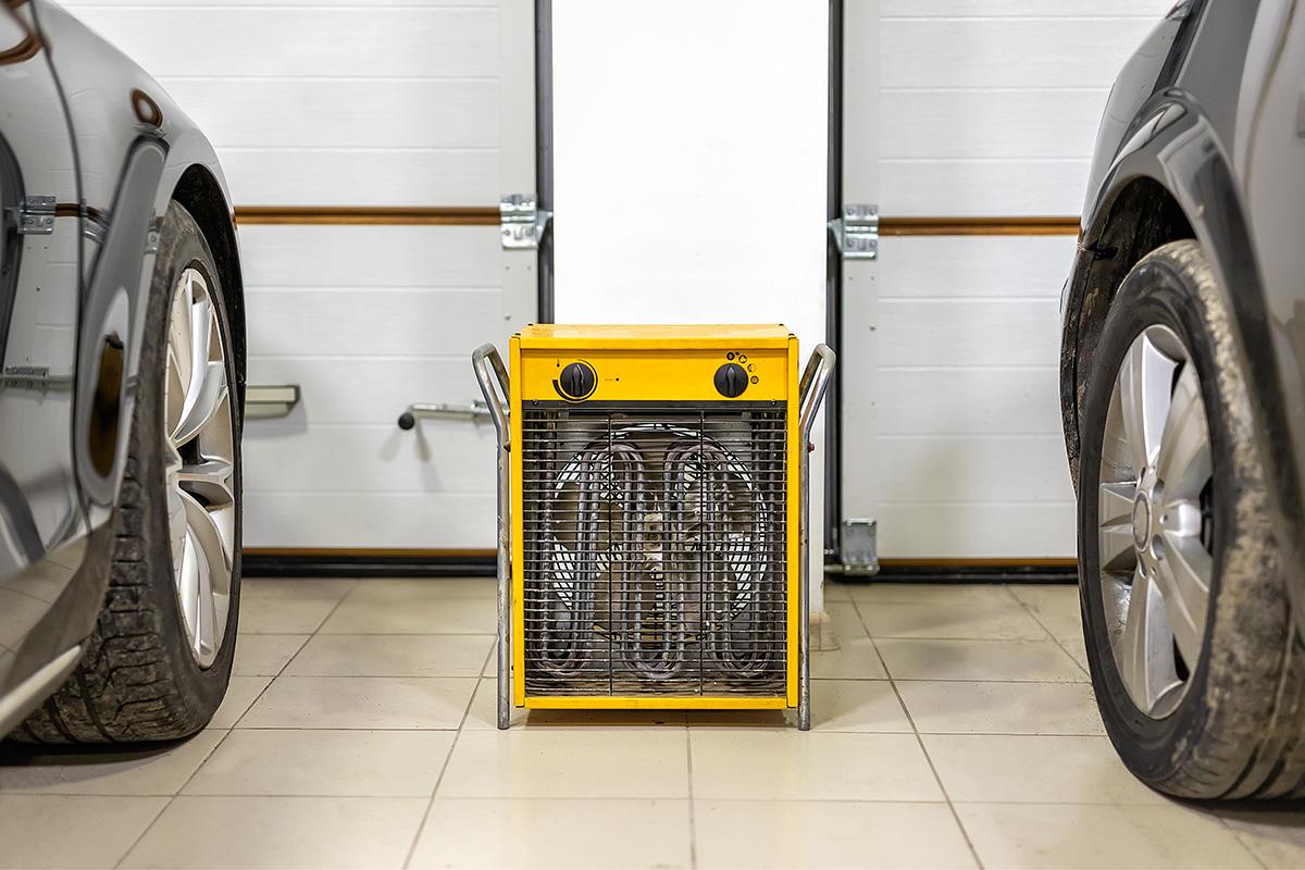 How to Weatherproof a Garage Door | Overhead Door Company